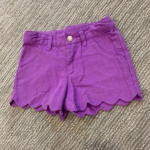 🌿Scalloped girls purple shorts 4T